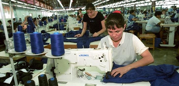 El empleo en la industria mexicana de la confección acelera su caída en  febrero hasta el 2,4% | Modaes Latinoamérica
