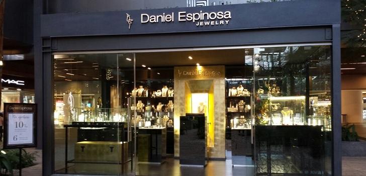 d0422ad7107d Daniel Espinosa desembarca en Sudamérica  lleva su joyería al centro  comercial Andino ...